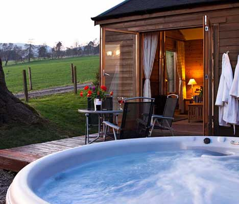 lodges with hot tubs scotland Log Cabin holiday accommodation in Pitlochry UK