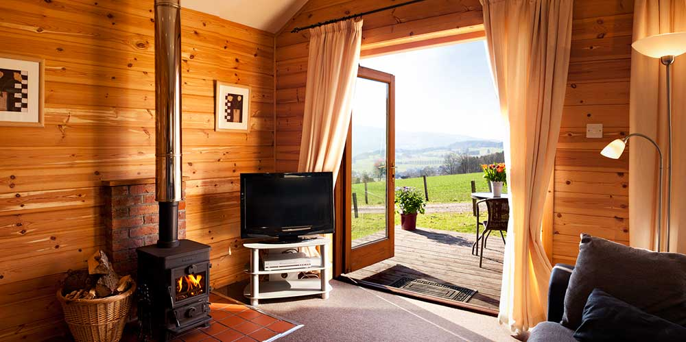 Lodges with hot tubs cottages and large house Log cabins with hot tubs scotland