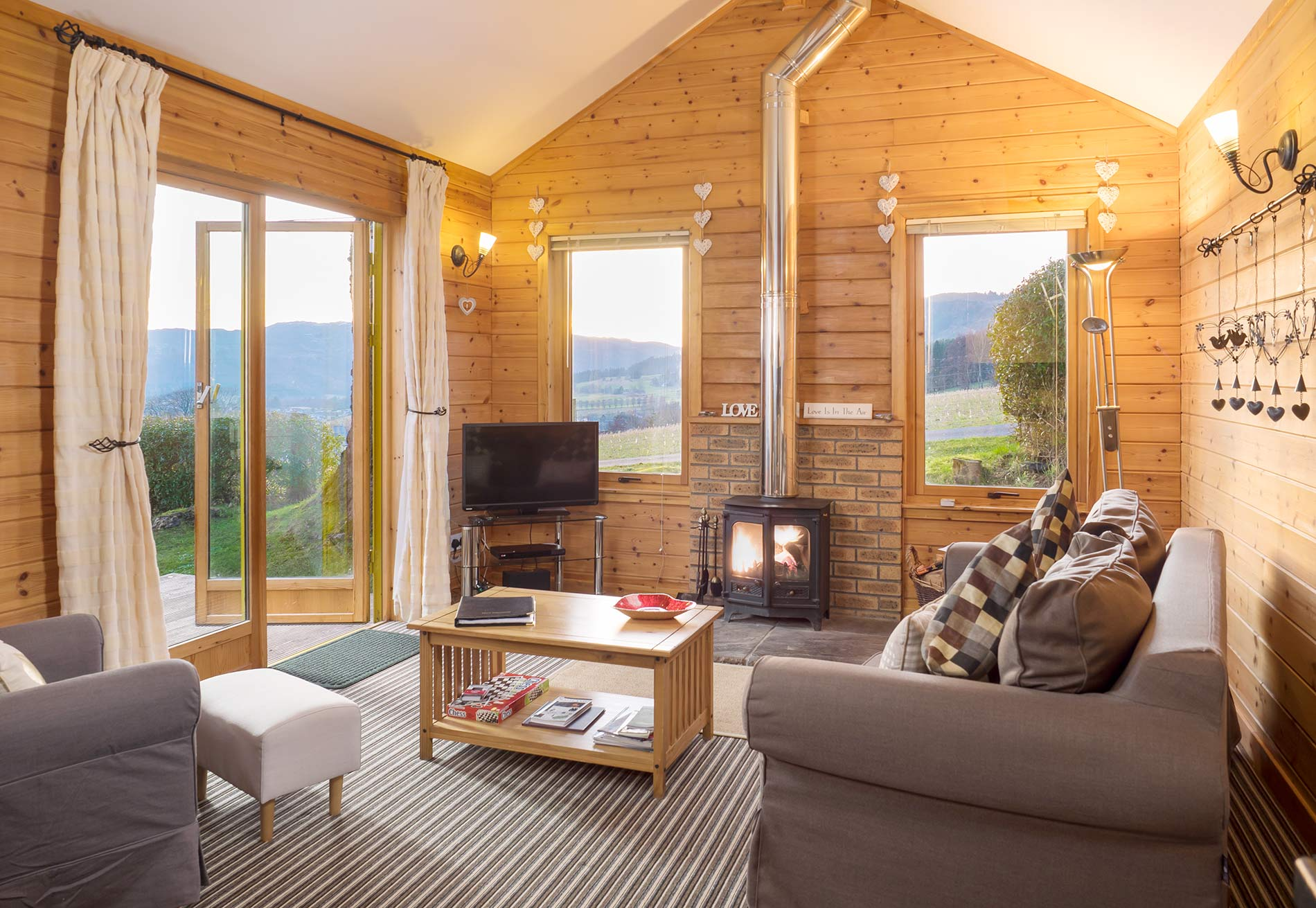 Log cabins in Scotland with hot tubs self catering Lodge