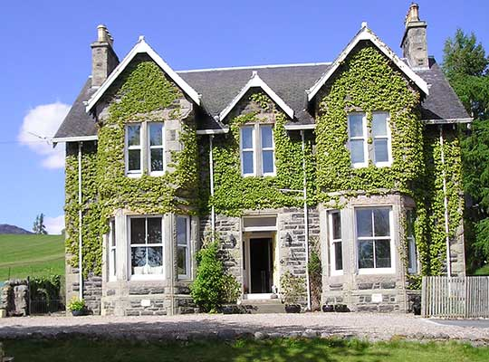 Kinnaird Country House, Large Holiday House with Hot Tub Scotland