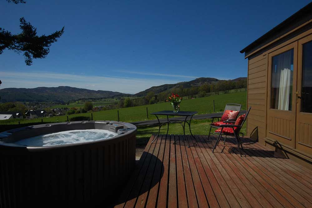 Pitlochry log cabins reviewd by the guardian Log cabins with hot tubs scotland