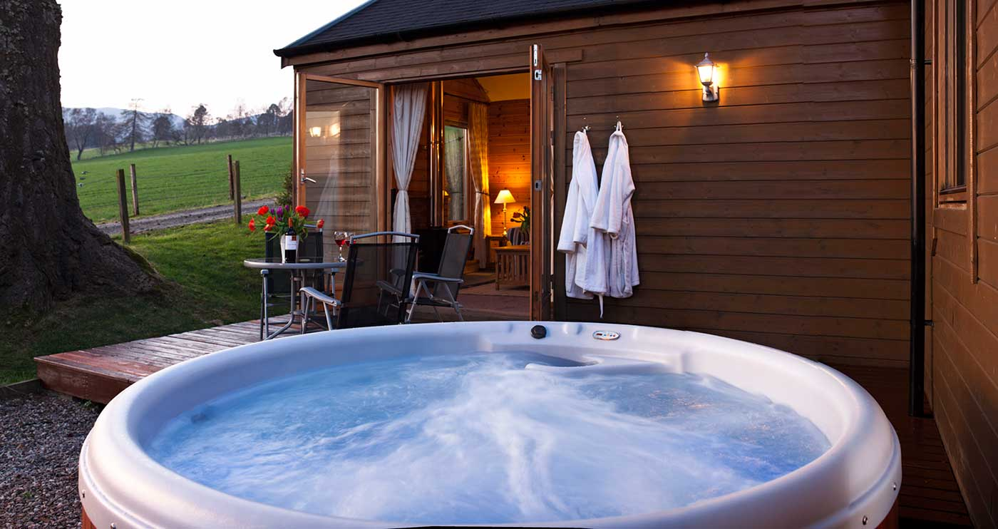 Log cabins in scotland with hot tubs self catering lodge Log cabins with hot tubs scotland