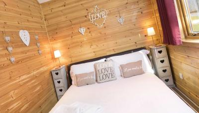 The Love Cabin Experience the most romantic log cabin in Scotland
